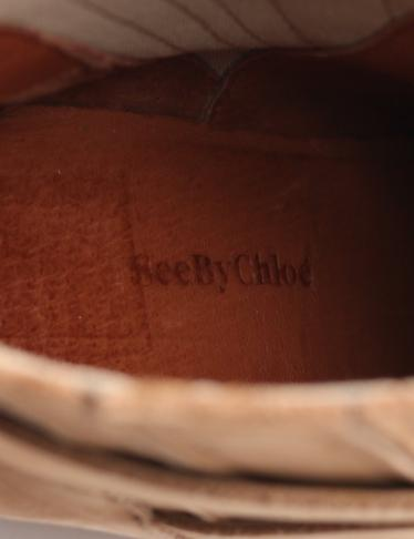 See by Chloe・シューズ・ ショートブーツ ヌバックレザー キャメル ウェッジクレープソール