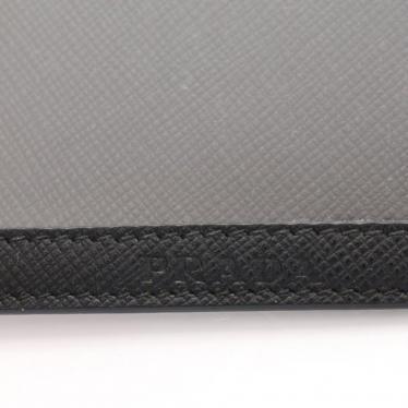 PRADA・財布・小物・SAFFIANO LEATHER BADGE HOLDER パスケース カードケース サフィアーノレザー 黒 ストラップ付