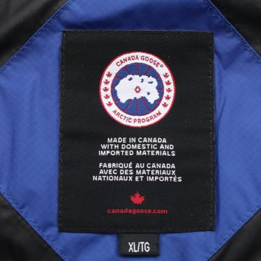 CANADA GOOSE・アウター・APPROACH アプローチ ダウンジャケット 青 シルバー アームロゴ