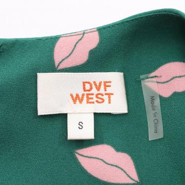 DIANE von FURSTENBERG・ワンピース・DVF WEST ワンピース リップ柄 総柄 シルク 緑 ピンク