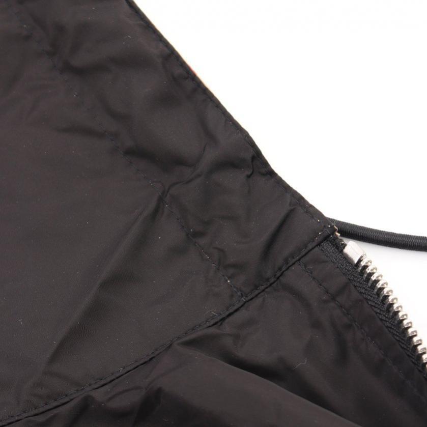 BURBERRY・アウター・リバーシブル ヴィンテージチェック リサイクルポリエステル ジャケット ジップアップパーカー ノバチェック柄 ベージュ 黒 赤