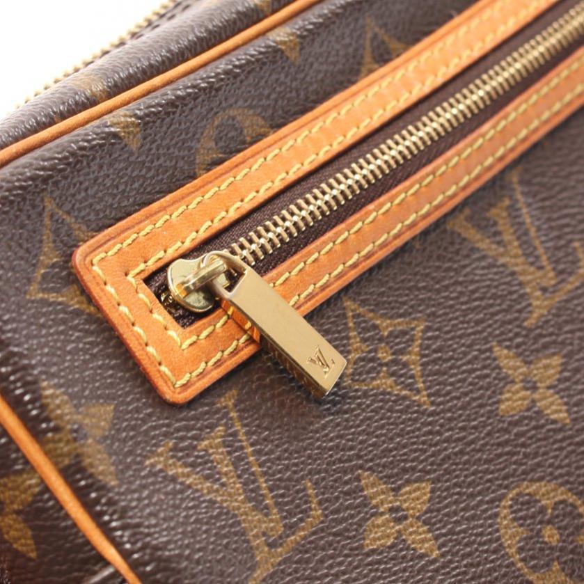 LOUIS VUITTON・バッグ・ポシェットシテ モノグラム ショルダーバッグ PVC レザー ブラウン