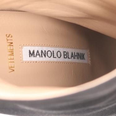 VETEMENTS・シューズ・MANOLO BLAHNIK × VETEMENTS ショートブーツ サテン ブラック