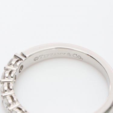 TIFFANY & Co.・アクセサリー・エンブレイス バンドリング リング 指輪 Pt950 ダイヤモンド プラチナ 7Pダイヤ