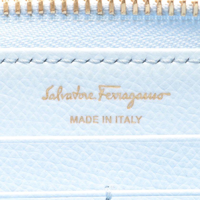 Salvatore Ferragamo・財布・小物・ガンチーニ ラウンドファスナー長財布 レザー ライトブルー