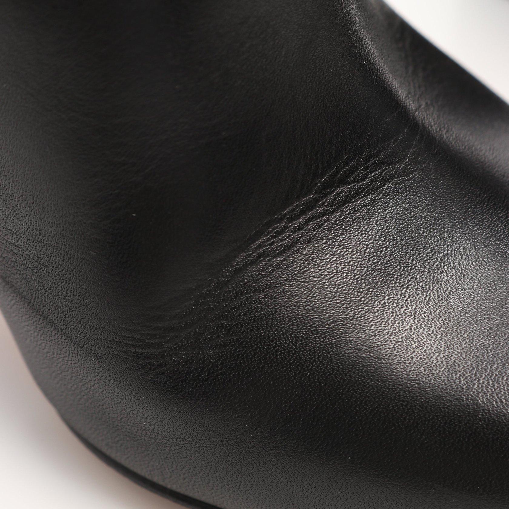 VALENTINO GARAVANI・シューズ・ロックスタッズ アンクル ブーツ レザー ブラック サイドジップ