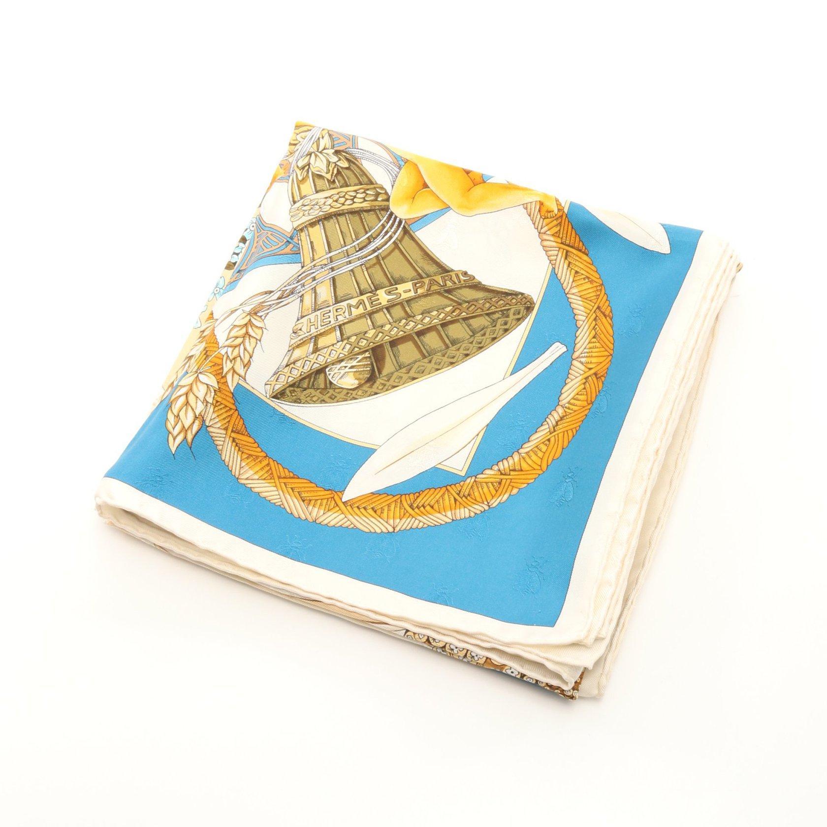 HERMES・財布・小物・カレ90 「Je T'aime Beaucoup Passionnement Un Peu」 スカーフ シルク アイボリー ブルー マルチカラー
