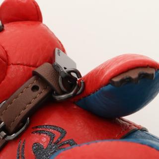 COACH・財布・小物・Coach × Marvel スパイダーマン ベア バッグチャーム キーホルダー レザー レッド ブルー マルチカラー