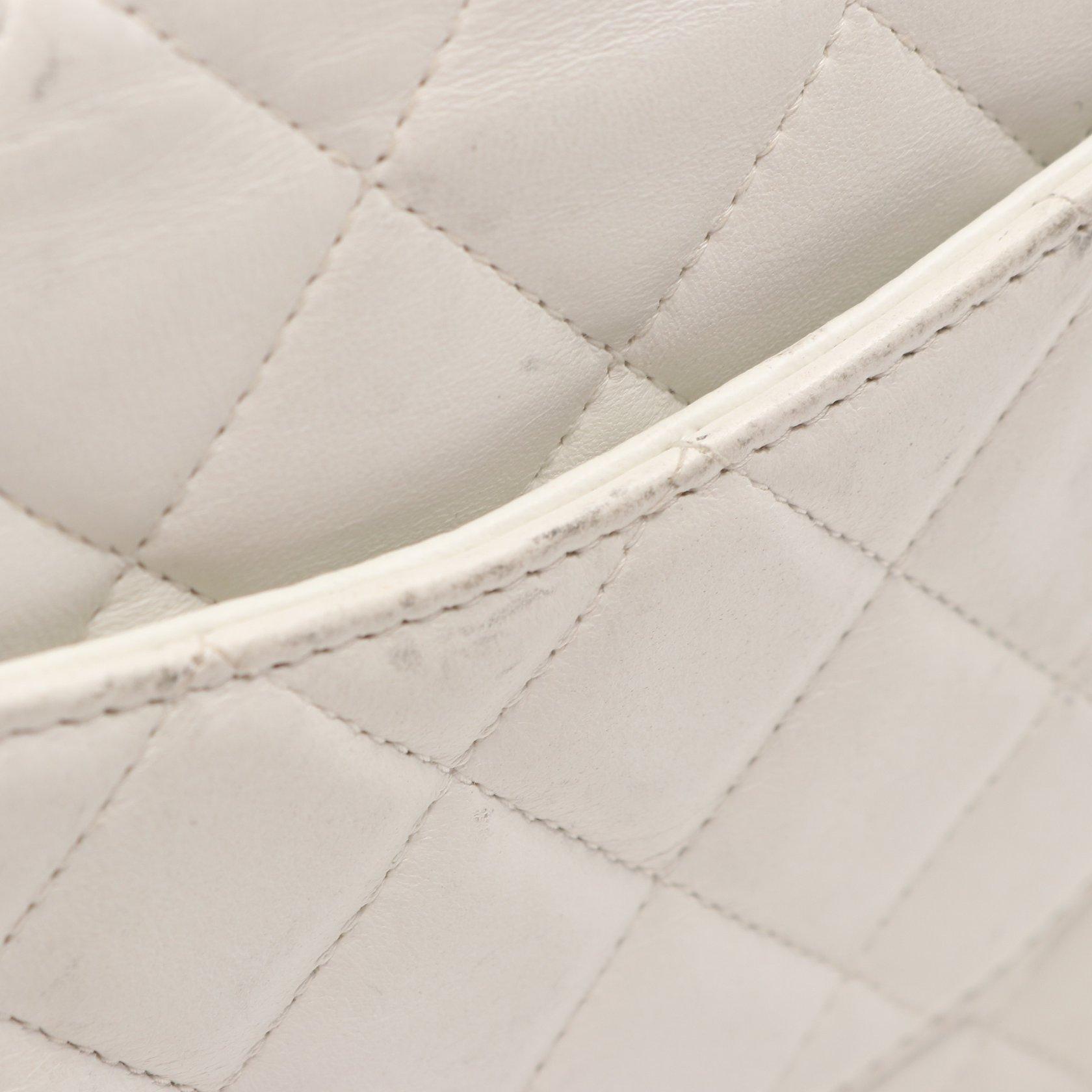 CHANEL・バッグ・ミニマトラッセ チェーンショルダーバッグ ラムスキン ホワイト シルバー金具