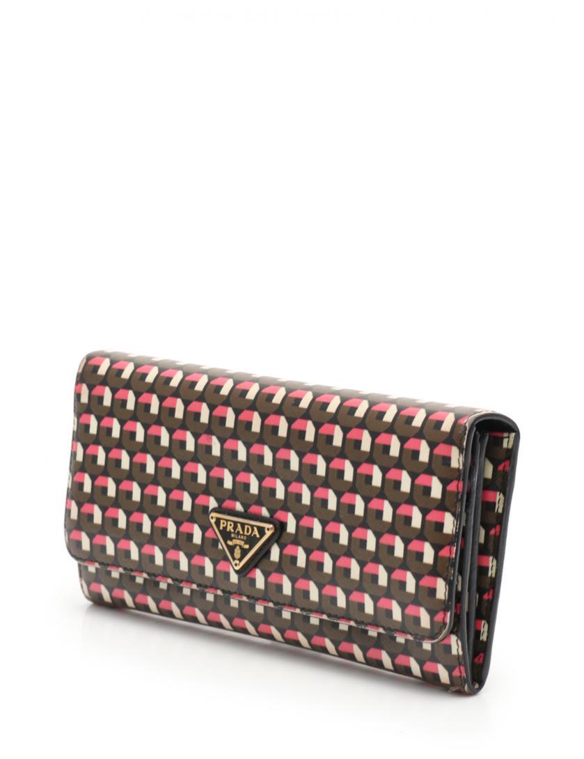 2ec54939966d HOME · PRADA プラダ · 財布・小物 · 財布; SAFFIANO PRINT 二つ折り長財布 サフィアーノレザー 黒 ピンク 茶  アイボリー. マウスを合わせると画像を拡大できます